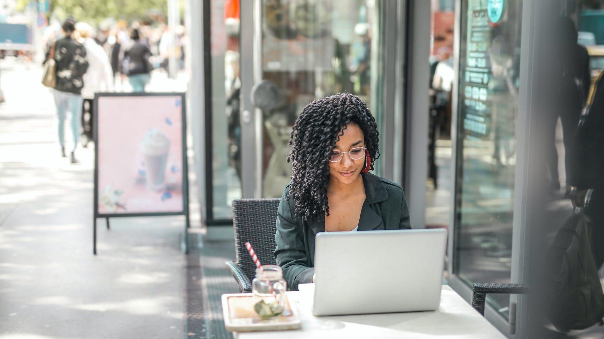 customer-using-free-wifi-coffee-shop